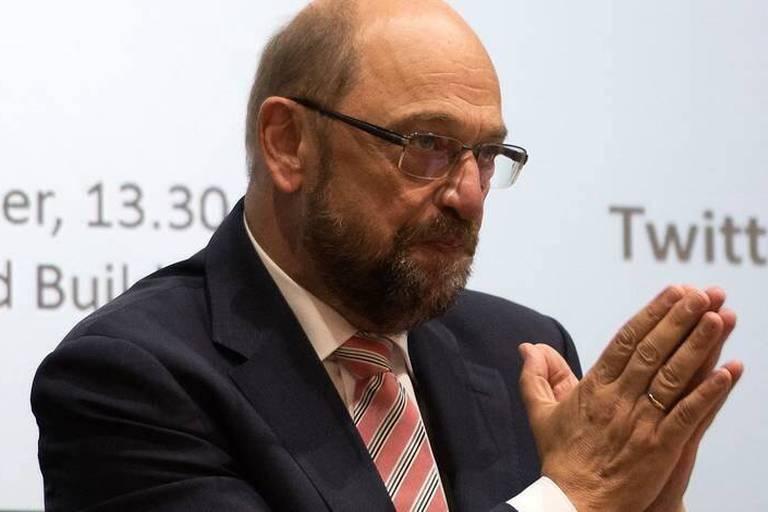 """Référendum antiréfugiés: Martin Schulz dénonce le """"jeu dangereux"""" de la Hongrie"""