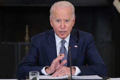 """Biden s'énerve en conférence de presse et salue """"l'excellent travail"""" d'Andrew Cuomo"""