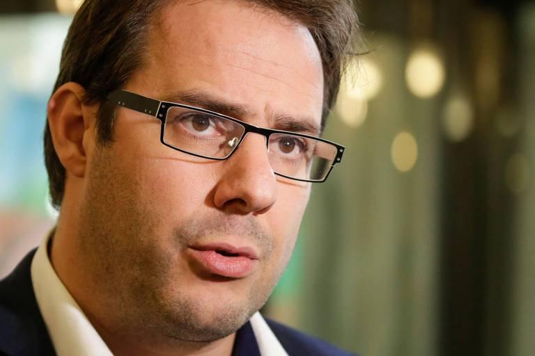 """Démission surprise: David Clarinval raconte comment """"Charles Michel a berné l'opposition"""""""