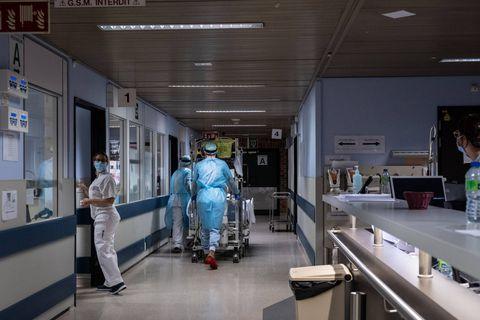 Coronavirus en Belgique: une trentaine d'admissions à l'hôpital par jour en moyenne
