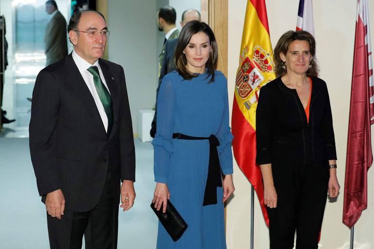 Ignacio Sanchez Galan, patron d'Iberdrola, aux côtés de la Reine Letizia et de la ministre espagnole Teresa Ribera en 2019.