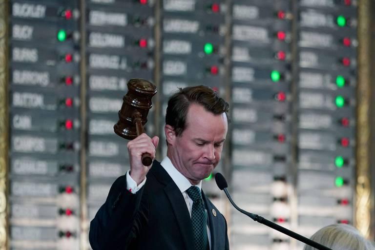 Le président de la Chambre, Dade Phelan, lors du vote de ce 31 août.