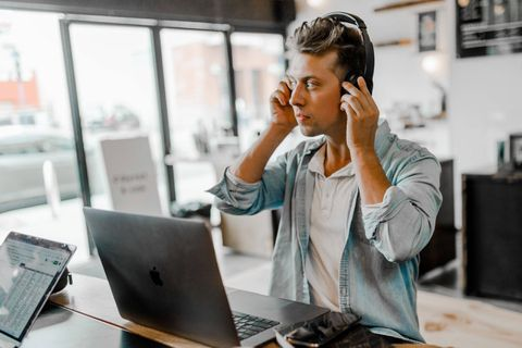 Est-ce encore utile de surveiller les salariés ?