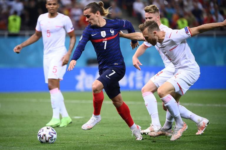 Le foot français attend que la justice tranche entre Canal+ et beIN Sports