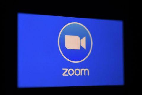 Explosive en début de pandémie, la croissance de Zoom ralentit