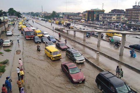 """Lagos, deuxième ville la plus peuplée d'Afrique, bientôt inhabitable? """"Ce n'est qu'une question de temps"""""""