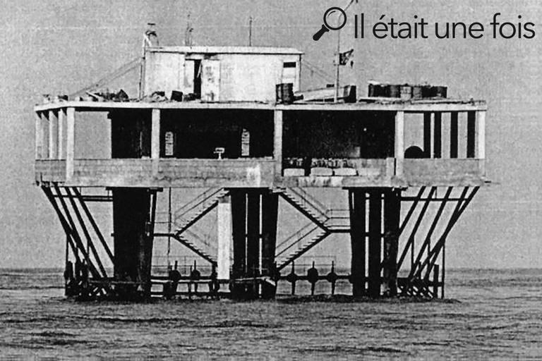 Insulo de la Rozoj, cette mystérieuse île d'acier qui effrayait les autorités italiennes et qui finira dynamitée