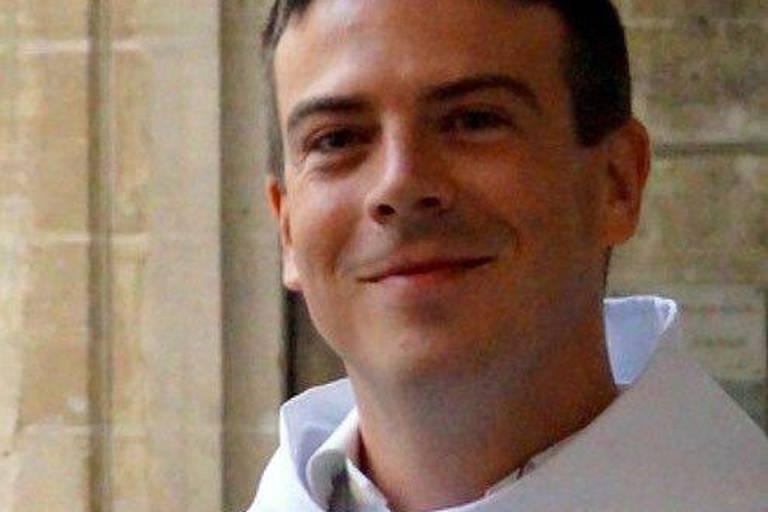 Populaire sur Tiktok, un prêtre français désavoué par sa hiérarchie pour ses opinions en faveur des homosexuels