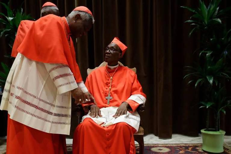 """Vatican: un cardinal souhaite que l'on """"ferme le robinet"""" de l'immigration"""