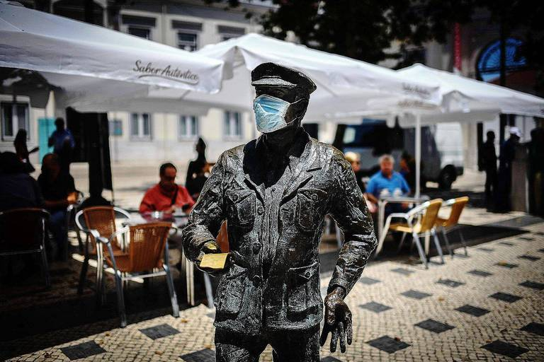 Coronavirus dans le monde: vers la fin du port du masque en extérieur en Allemagne