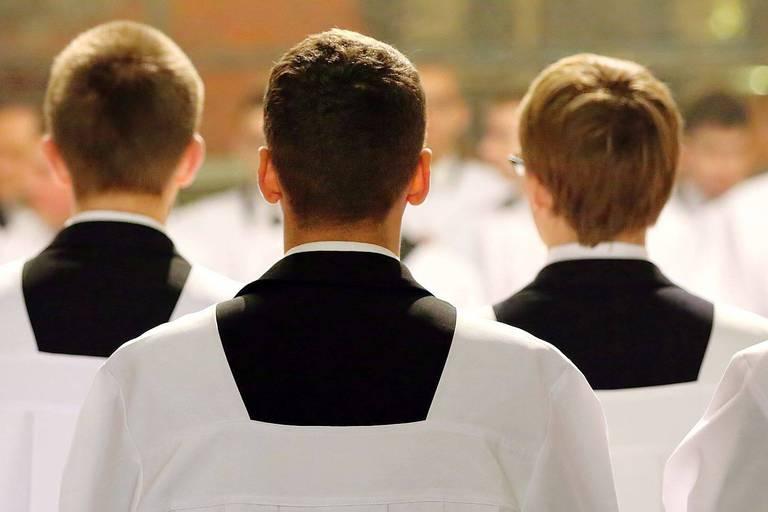Seulement 5 prêtres ordonnés cette année : la crise des vocations s'intensifie pour l'Eglise