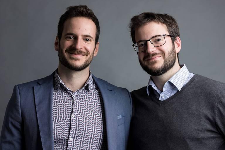 """Grâce à des bornes """"au look de jeux vidéos"""", VoxCollector améliore la culture d'entreprise"""