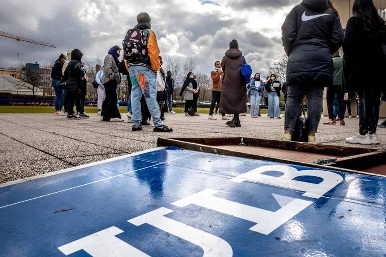 Quelque 700 sans-papiers à Bruxelles ont entamé une grève de la faim
