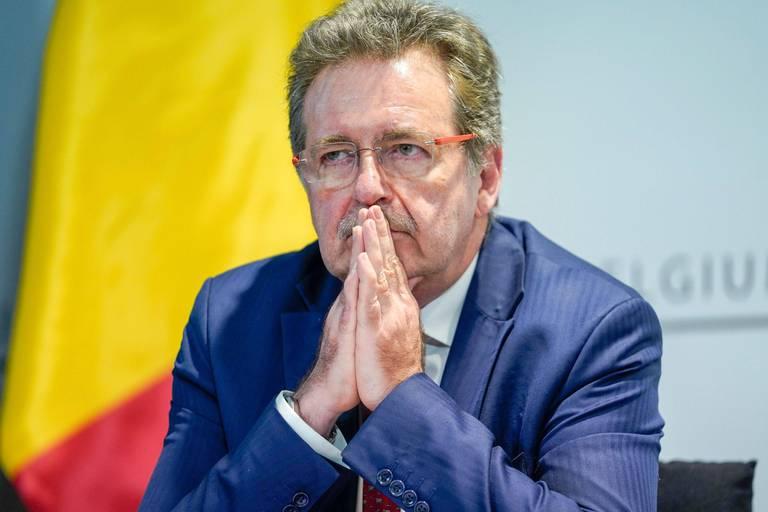 """Pas d'assouplissements à Bruxelles avant fin septembre confirme Vervoort: """"Il faut travailler sur le taux de vaccination"""""""