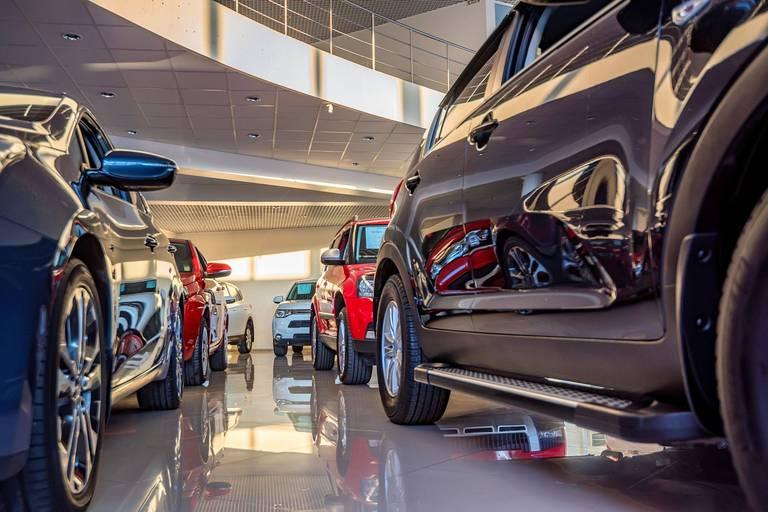Le délai de livraison pour les voitures neuves s'allonge, une attente qui pousse les clients vers le marché de l'occasion.
