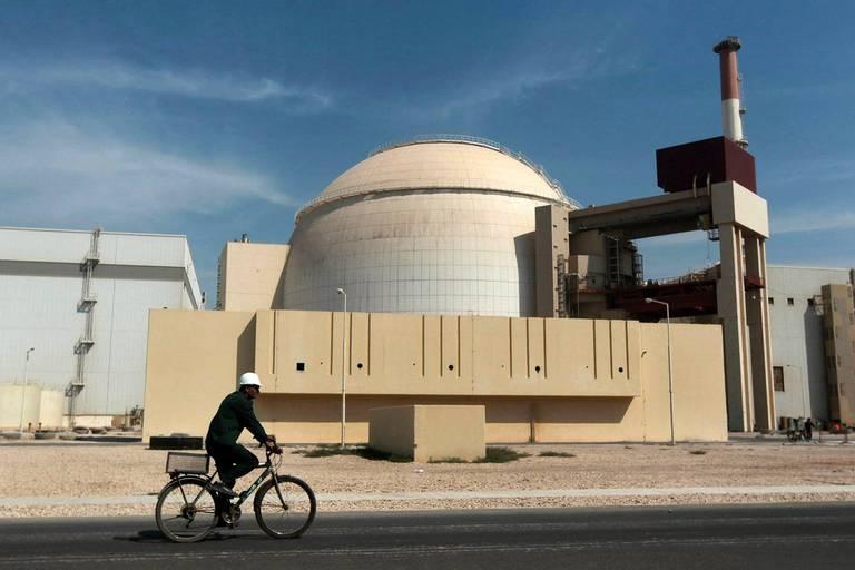 Iran: la centrale nucléaire de Bouchehr à l'arrêt, les autorités livrent des explications confuses