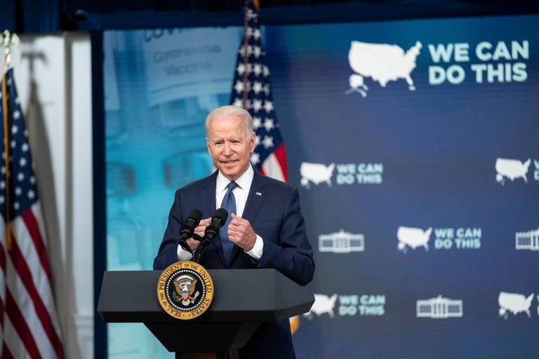 """Insurrection à Washington: six mois après l'assaut, Joe Biden appelle le Congrès à enquêter avec """"courage"""""""