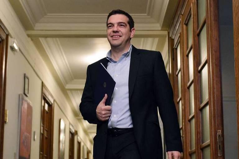 """Grèce: Tsipras s'engage à appliquer """"rapidement"""" le nouveau plan de sauvetage financier"""