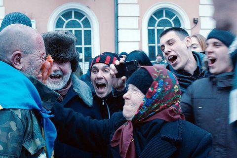 """Dans """"Donbass"""", Sergei Loznitsa filme la chute morale de l'est de l'Ukraine"""