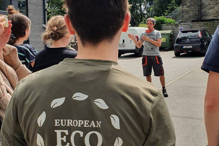 """Jeunes Européens vantent un label """"écoscore"""" passionnément"""