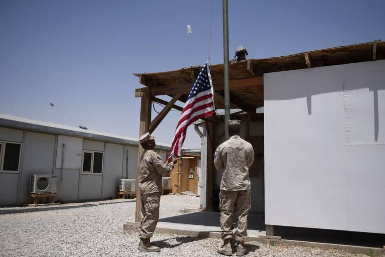 """Pour les États-Unis, la fin d'une guerre """"impossible à gagner"""" en Afghanistan"""