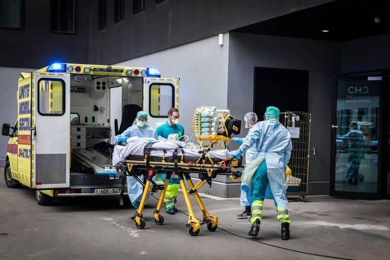 Coronavirus en Belgique: les chiffres des hospitalisations semblent se stabiliser