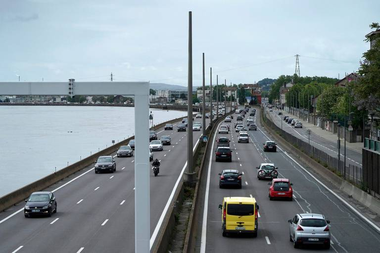 Attention si vous prenez la route des vacances ce week-end: le trafic est déjà dense vers le sud de la France