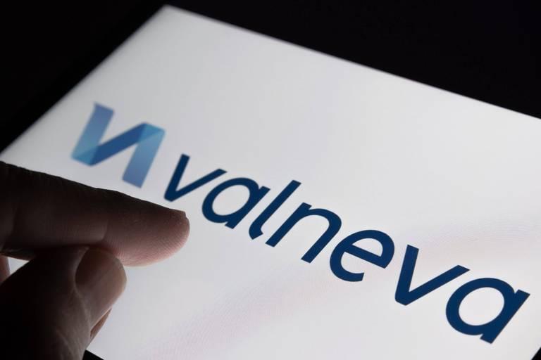 Valneva chute de 40% en Bourse après la résiliation de contrat du Royaume-Uni pour un candidat-vaccin