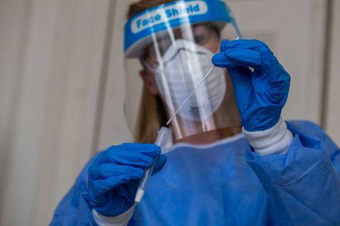 Coronavirus en Belgique : 70% d'infections supplémentaires, le taux de reproduction repasse au-dessus de 1