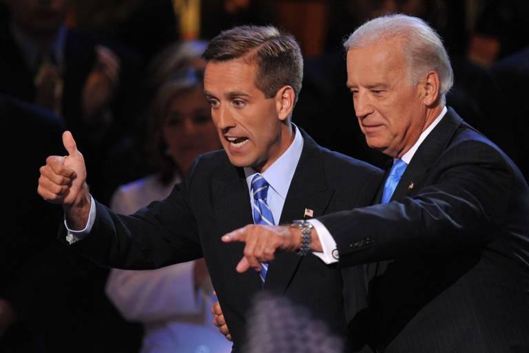 Joe Biden et son fils Beau, décédé en 2015, lors de la Convention démocrate en août 2008 à Denver, Colorado