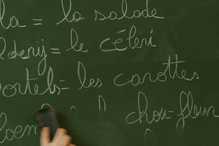 Pacte d'excellence : un professeur de langues sur quatre ne dispose pas des titres requis