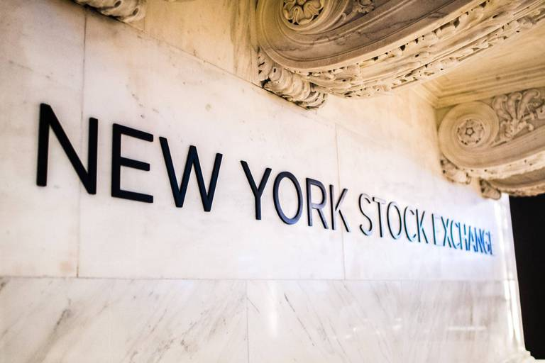 Wall Street démarre en baisse en raison de doutes sur la reprise