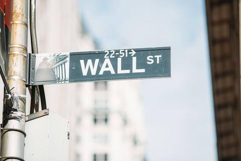 La Bourse de New York ouvre en baisse après des records historiques