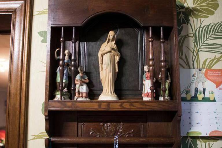 On sait scientifiquement pourquoi la Vierge de Jalhay brille dans la nuit