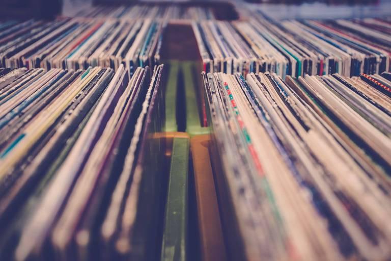 Benjamin Biolay, Taylor Swift, Fantastic Negrito... : ces albums retardés qui illuminent l'été