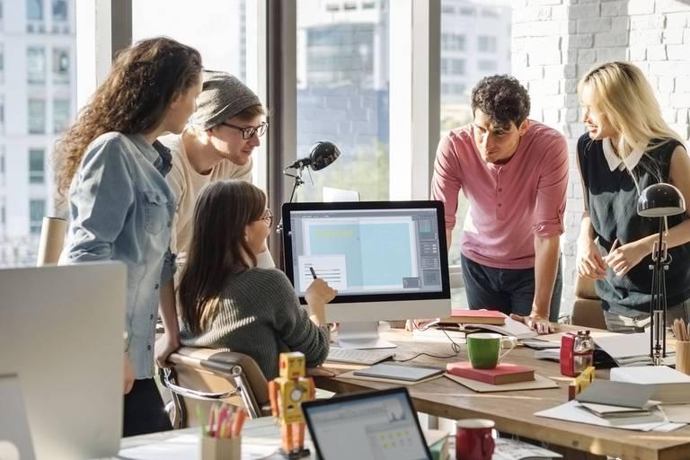 Pendant 20 semaines les start-up sélectionnées bénéficient de coachings, formations et ateliers pratiques.