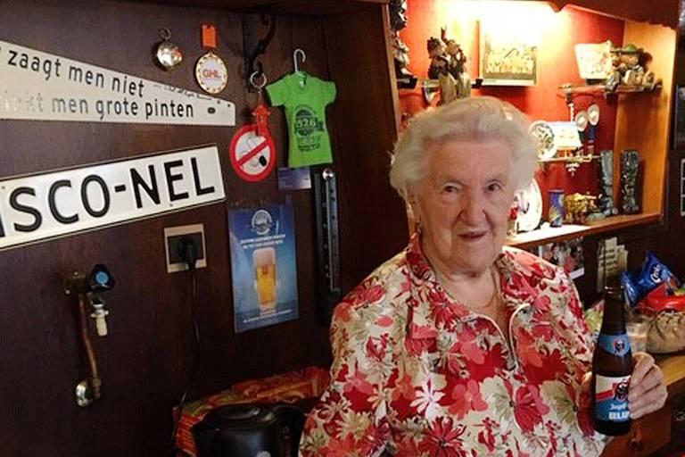 """Le """"Nova"""", bistrot situé dans une enclave belge en territoire néerlandais: """"Quand on en a bu une de trop, on ne s'y retrouve plus du tout"""""""