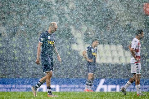 Le match Beerschot - Cercle Bruges définitivement arrêté en raison de la pluie, les 35 dernières minutes se joueront mardi