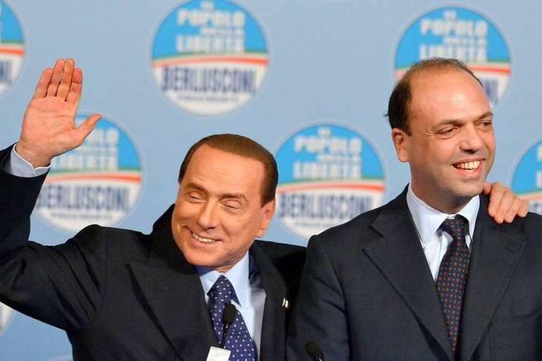 Dette: tension sur le taux italien après le coup d'éclat de Berlusconi
