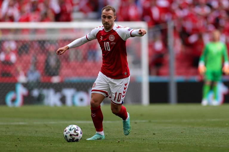 """Christian Eriksen a été le premier à féliciter ses équipiers danois de leur qualification: """"Génial de l'entendre"""""""