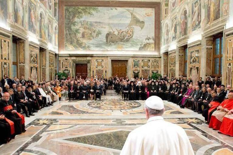 """Appel de chefs des religions à Rome contre """"le terrorisme religieux"""""""