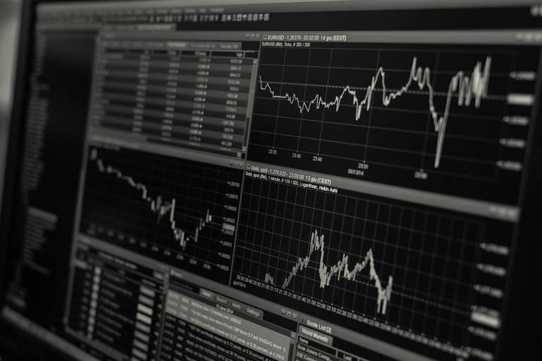 Fin de semaine plus tendue pour les places Boursières