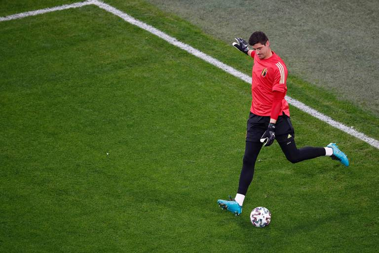 """Thibaut Courtois: """"Pour arrêter Ronaldo, il faut empêcher le ballon d'arriver à lui"""""""