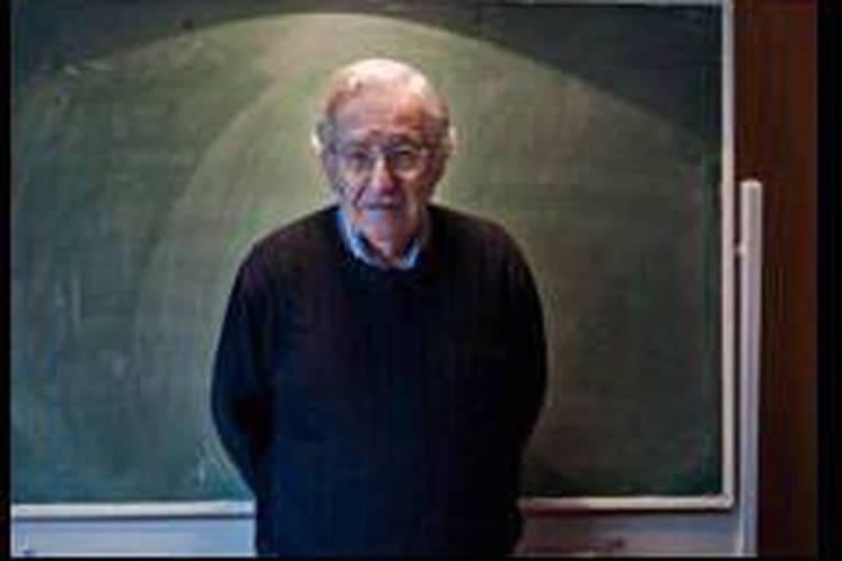 """Chomsky, """"LE"""" dissident américain"""