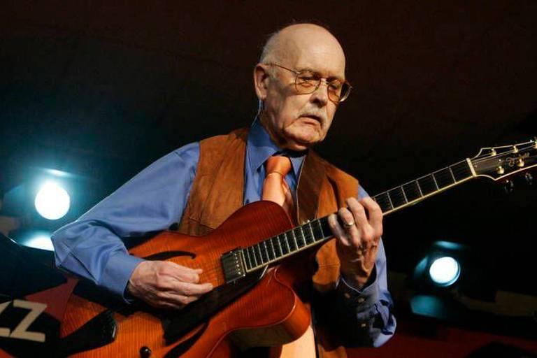 Le guitariste de jazz Jim Hall est mort à l'âge de 83 ans