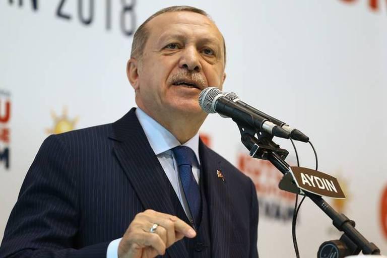 """Frappes occidentales en Syrie: Erdogan se félicite des frappes contre les """"attaques inhumaines"""" de Damas"""