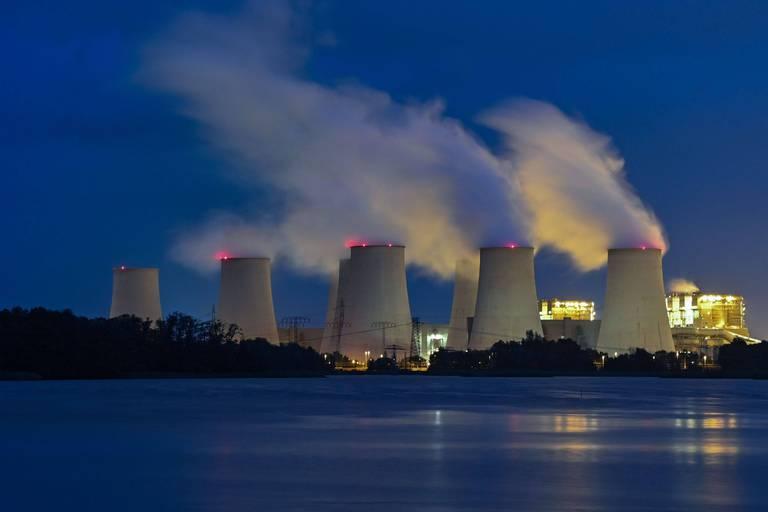 La centrale au charbon de Jänschwalde, en Allemagne. Le mix électrique allemand ne compte plus que 23 % de charbon contre 49 % en 2000.