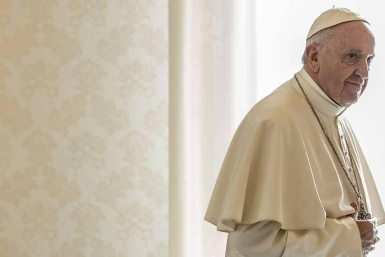 """Le pape aux jeunes: ne vous laissez pas enfermer dans la """"téléréalité"""""""