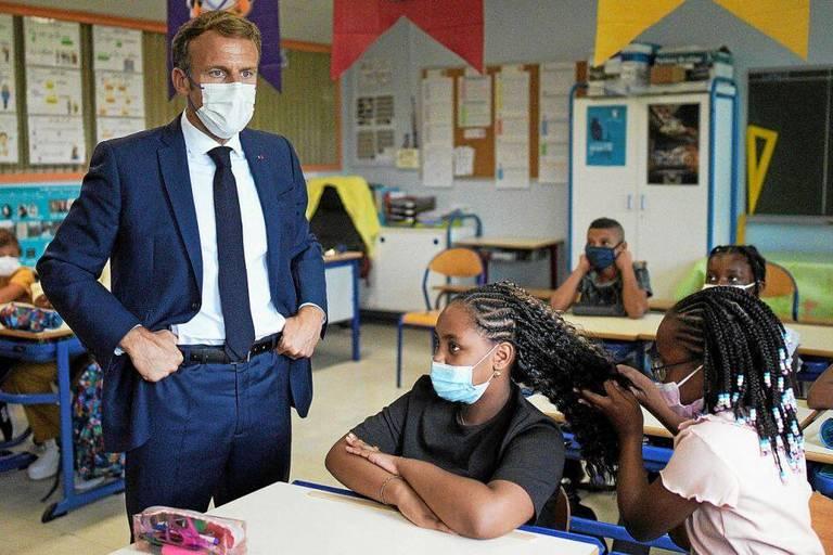 Emmanuel Macron à Marseille: interrogé par une écolière, il révèle son salaire (VIDÉO)