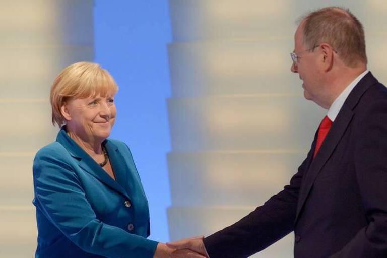 Le parti de Merkel débute vendredi des discussions avec le SPD pour une coalition